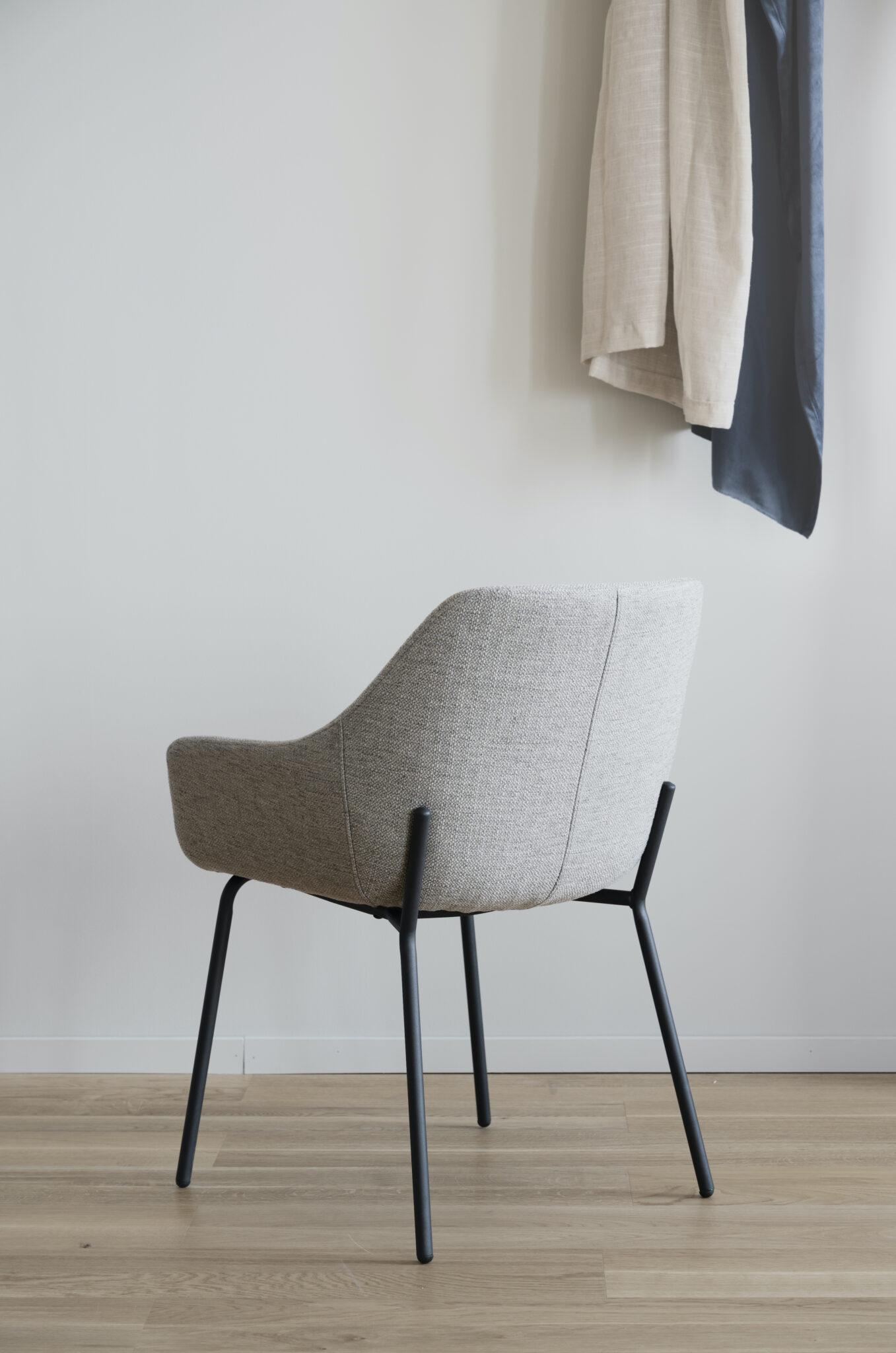 Haley arm chair Light grey_black 110480 8